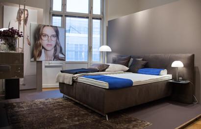 einblicke in die villa joop nachtmanufaktur. Black Bedroom Furniture Sets. Home Design Ideas