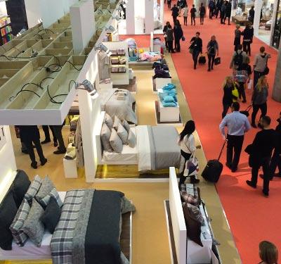 Blick in die Ausstellungshalle für Betten auf der Heimtextil 2015